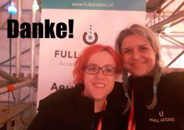 Martina Gollner und Christina Riedler auf der Plattform für BesucherInnen mit Behinderungen