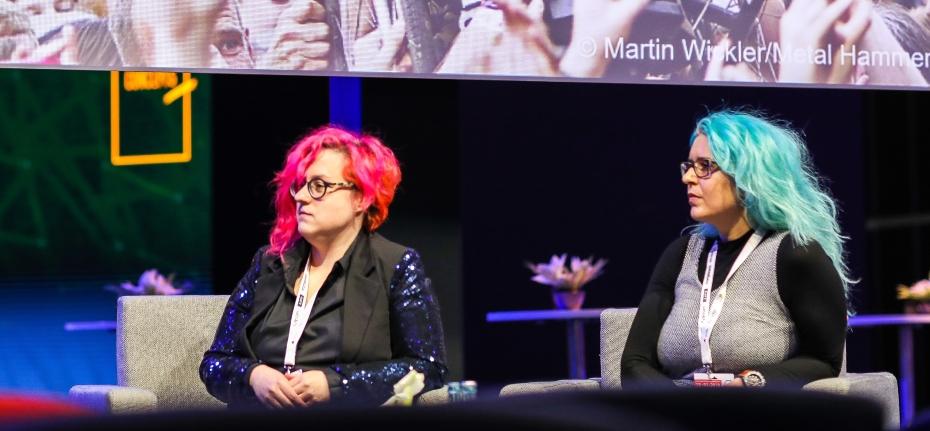Martina Gollner und Christina Riedler auf der Bühne der BrandEx 2019
